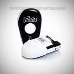 Лапы для тайского бокса «Fairtex FMV8»